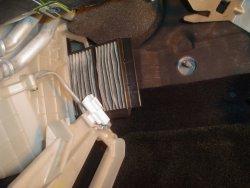 Замена воздушного фильтра на МаздА 3